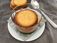 Post: Vasitos de crema de galletas --> crema de galletas maria, cuajada de galletas, postres caseros, postres lácteos caseros, postres vasitos, pudding de galletas maria, recetas delikatissen, Vasitos de crema de galletas