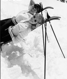 women on skis