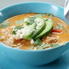 Chicken Fajita Soup  Here's what you need: 2 lb chicken cut of your choice, diced 2 tsp chili powder 2 tsp cumin 1/2 tsp pepper 3 cloves garlic, minced 1 onion, chopped 3 bell peppers, chopped 2 limes 14 oz crushed tomatoes 48 oz chicken broth 1/2 cup cream 6 corn soft taco tortillas