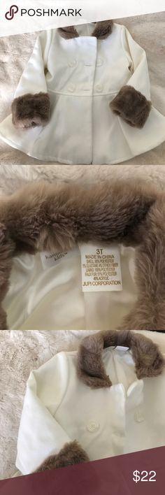 Kardashian Kids jacket White jacket for little girls with faux fur trim, it is adorable perfect for holidays. Size 3T Kardashian Kids Jackets & Coats Blazers
