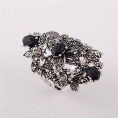 Black Crystal Rhinestone Flower Retro Ring