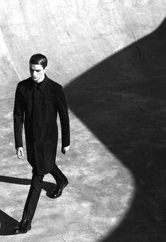 Dior . Men's - Use of shades reflectors to create shapes
