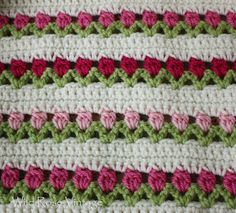 Love this - Wild Rose Vintage: Flowers In A Row. Pattern is here: http://www.redheart.com/free-patterns/flowers-row