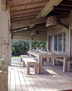 Terrasse sous auvent - Une terrasse esprit jardin - CôtéMaison.fr