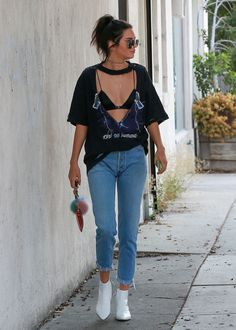 """jenner-kandids: """" """"August 25, 2016 - Out and about in Beverly Hills. """" """""""