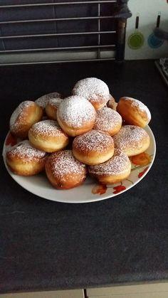 Naj Douk Voici mes beignets de sherazade, recette adoptée et facile à réaliser, fourrés à la confiture de fraise Merci à la personne qui m'a donné la recet