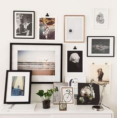 combining black, white, and neutral color frames on your gallery wall - Per Olav on Residencemagazine.se