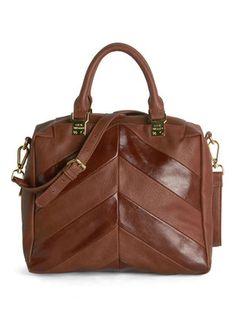 cute chevron bag  http://rstyle.me/n/vf9cspdpe