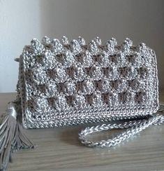 Essa já vai para a sua dona...! @caserdaniela ✈️ES  #handmande #handmadewhitelove #bag #love #loveitbag #itgirls #blog #blogueiras #moda… Popcorn Stitch, Chanel Boy Bag, Knit Crochet, Shoulder Bag, Knitting, Blog, Instagram, Fashion, Crochet Wallet
