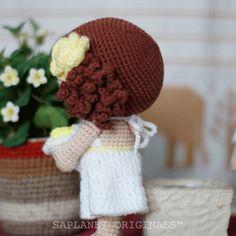 It's a beach wedding in a bright summer afternoon. Bare back that is! #weddingdolls #wedding #saplanetoriginals #crochet #handmade #amigurumi #decoration #gifts