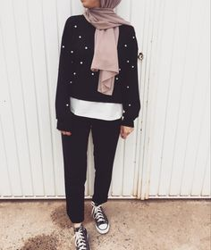 Stylish Hijab, Modest Fashion Hijab, Modesty Fashion, Casual Hijab Outfit, Arab Fashion, Muslim Fashion, Ski Fashion, Hijab Style, Hijab Chic