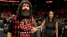 Foley y Stephanie están confundidos.