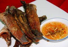 Cá lóc đồng chiên giòn chấm mắm gừng - http://congthucmonngon.com/8828/ca-loc-dong-chien-gion-cham-mam-gung.html