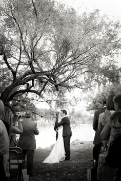 Outdoor Mesa Arizona Wedding! Ceremony under the big tree with the Superstition Mountains in the backdrop. Gorgeous.