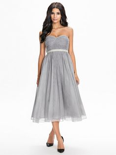 Flaired Tulle Dress - Nly Eve - Harmaa - Juhlamekot - Vaatteet - Nainen - Nelly.com