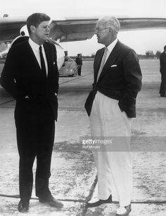 US president John F Kennedy stands with his father, Joseph P Kennedy on the runway at West Palm Beach Airport, speaking before president Kennedy's departure for Washington, DC. Joseph Kennedy suffered a stroke later that day and President Kennedy. Joe Kennedy Sr, Les Kennedy, Jacqueline Kennedy Onassis, Caroline Kennedy, American Presidents, Us Presidents, American History, John Fitzgerald, American Spirit