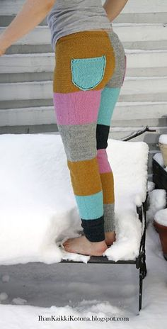 Villahousuohje | Ihan Kaikki Kotona | Bloglovin' Crochet Pants, Crochet Clothes, Knit Crochet, Knit Leggings, Knit Pants, Leggings Are Not Pants, Thigh High Socks, Pants Pattern, Knitting Socks