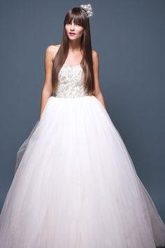Unique Wedding Dresses - Beautiful Wedding Gowns | Wedding Planning, Ideas & Etiquette | Bridal Guide Magazine