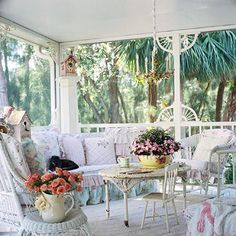 This is perfect for one of the enclosed porches the house has we're about to move into....love shabby chic