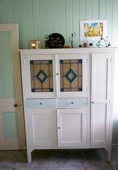 Vintage Leadlight Kitchen Dresser Interiors Pinterest Kitchen Dresser Vintage And Dressers