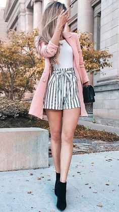 2019 Fashion Outfit Ideas – Pink jacket with striped shorts – ZKKOO 103160647700598936 2019 Fashion Outfit Ideas – Rosa Jacke mit gestreiften Shorts Teen Fashion Outfits, Mode Outfits, Girly Outfits, Cute Casual Outfits, Short Outfits, Look Fashion, Spring Outfits, Summer Outfit, Winter Outfits