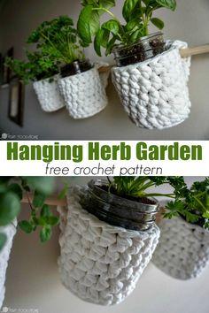 Do you grow fresh herbs? You'll need this Hanging Herb Garden free crochet pattern! via @ashlea729
