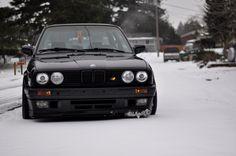 BMW E30 M3 black winter