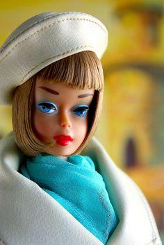 """Barbie say's """"hi!"""" American Girl Barbie in London Tour Play Barbie, Barbie I, Barbie World, Barbie And Ken, Barbie Room, Barbie Style, Vintage Barbie Clothes, Vintage Toys, Retro Vintage"""