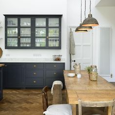 The perfect blend of old and new, we still can't get enough of this completely gorgeous 'Pantry Blue' kitchen #deVOLKitchens