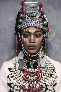 Woman - Iruvian - Jewelry