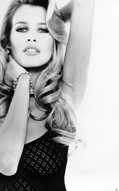 Claudia Schiffer pictures and photos Timeless Photography, Beauty Photography, Fashion Photography, Fantasy Photography, Original Supermodels, Imperfection Is Beauty, Guess Girl, Fashion Themes, 90s Models