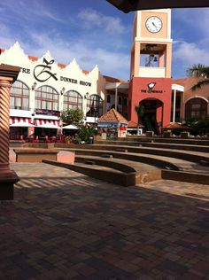 Paseo Herencia Mall in Noord