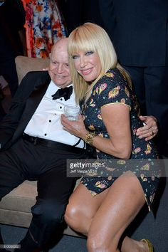 Comedian Don Rickles and actress Suzanne Somers attend the 2016 Vanity Fair Oscar Party Hosted By Graydon Carter at the Wallis Annenberg Center for the Performing Arts on February 2016 in Beverly Hills, California. The Comedian, Graydon Carter, Suzanne Somers, Johnny Carson, Celebrities Then And Now, Hollywood Couples, Three's Company, Vanity Fair Oscar Party, Performing Arts