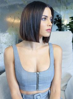 """""""Glass hair"""" is the latest celebrity trend to try. trends """"Glass Hair"""" Is The Latest Celebrity Trend You'll Want To Try Short Straight Hair, Short Hair Cuts, Straight Bob Haircut, Short Bob Hairstyles, Hairstyle Short, Hairstyles 2018, Formal Hairstyles, Hair Looks, Hair Lengths"""
