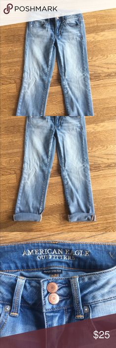 American Eagle super stretch Artist Crop Sz 4 American Eagle artist crops super stretch crops Sz 4 washed not worn! American Eagle Outfitters Jeans Ankle & Cropped