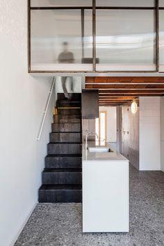 Rediscovered attic space makes room for mezzanine level in Barcelona loft apartment Attic Apartment, Attic Rooms, Attic Spaces, Attic Bathroom, Studio Apartment, Attic Renovation, Attic Remodel, Interior Stairs, Interior Architecture