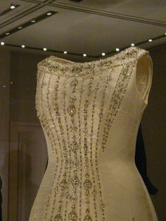 Dress of princess Margaret by Norman Hartnell, 1977 | Flickr - Photo Sharing!