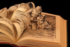 esculturas com livros