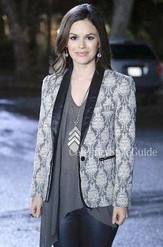 Seen on Celebrity Style Guide: Hart of Dixie Fashion: Rachel Bilson as Zoe Hart wears the maje Solo Jacquard Blazer on Hart of Dixie episode 'The Gambler'
