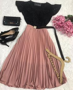 Girls Fashion Clothes, Teen Fashion Outfits, Cute Fashion, Modest Fashion, Look Fashion, Fashion Dresses, Modest Outfits, Cute Casual Outfits, Skirt Outfits