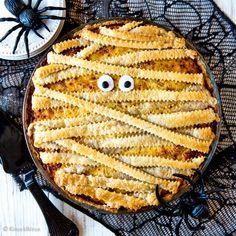 Muumiopiirakka | Reseptit | Kinuskikissa Halloween Cookies, Halloween Treats, Happy Halloween, Just Eat It, Paella, Baking, Vegetables, Ethnic Recipes, Sweet
