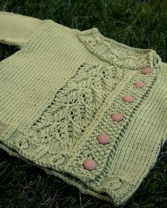 Pea-pod baby sweater by Interweave
