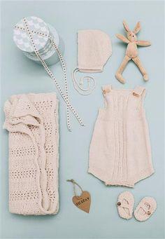 1415: Modell 3a-3e-3g-3h kyse, sko, romper, teppe #baby #knit #strikk Crochet Quilt, Crochet Baby, Knit Crochet, Chrochet, Knitting For Kids, Baby Knitting Patterns, Baby Boy Fashion, Kids Fashion, Baby Boy Outfits