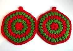 Vintage Set of Crocheted Red and Green Hotpads by TimelessTreasuresbyM on Etsy