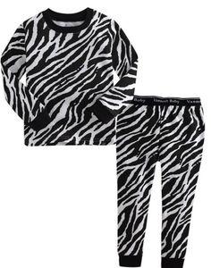 ZEBRA | JONGENS PYJAMA | MAAT 80-110| LICHT BLAUW | €17.95 | Stoere, hippe jongenspyjama gemaakt van 100% katoen. De pyjama is een tweedelige set waarvan de broek voorzien is met een elastische band. De zachte stof is rekbaar, ademt goed door en is van hoge kwaliteit. ♦ Wassen op 30 graden, om de kwaliteit van de pyjama zo goed mogelijk te behouden, liever niet in de droger Materiaal: 100% katoen #jongenspyjama #pyjama #babypyjama #boysonly #stoerepyjama