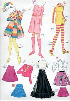 Vintage Whitman Mattel World of Barbie Paper Dolls 1971 Cut Mod Era Paper Dolls Clothing, Barbie Paper Dolls, Vintage Paper Dolls, Vintage Barbie Dolls, Doll Clothes, Barbie Barbie, Vintage Toys, Barbie Fashion Sketches, Fashion Dolls