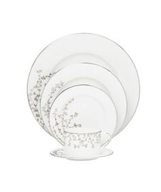 27 Pretty China Patterns|Before you start registering, take a peek at a few of our favorite patterns in the stores.