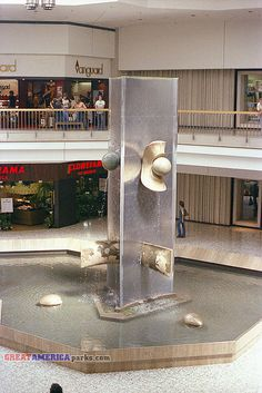 1970s mall sculpture: Northridge Mall, Brown Deer, WI  (Mall in it's heydey, it no longer exists.)  Brings back SOOOO many memories!!!