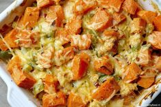 Casserole with chicken and sweet potato 3 Easy Diner, Oven Dishes, Lunch Snacks, Quick Meals, Vegetable Recipes, Food Inspiration, Love Food, Food Porn, Food And Drink