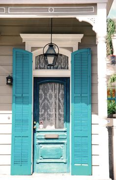 Doors are such a great place to play with color - exterior and interior! || New Orleans color and light